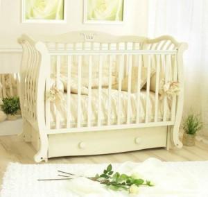 ліжко новонародженому